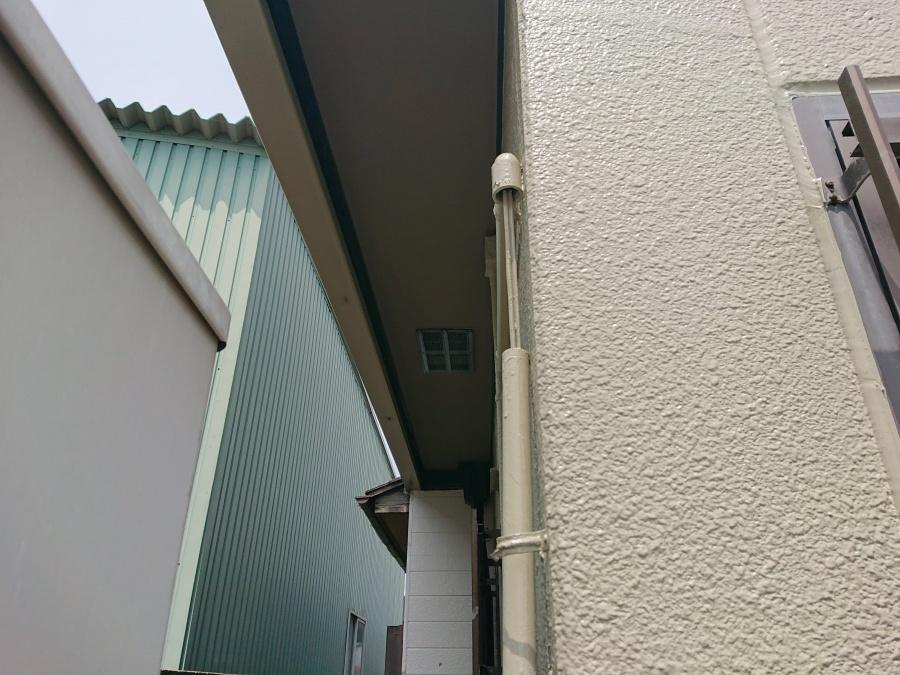 岸和田市のベランダの下端の軒天井塗装