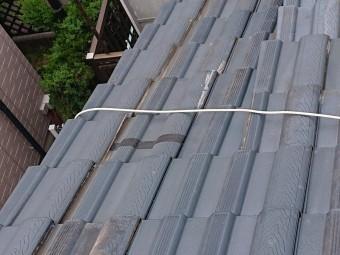 泉佐野市の屋根を防水テープで処置されています