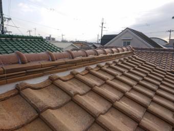 熊取町の屋根の漆喰