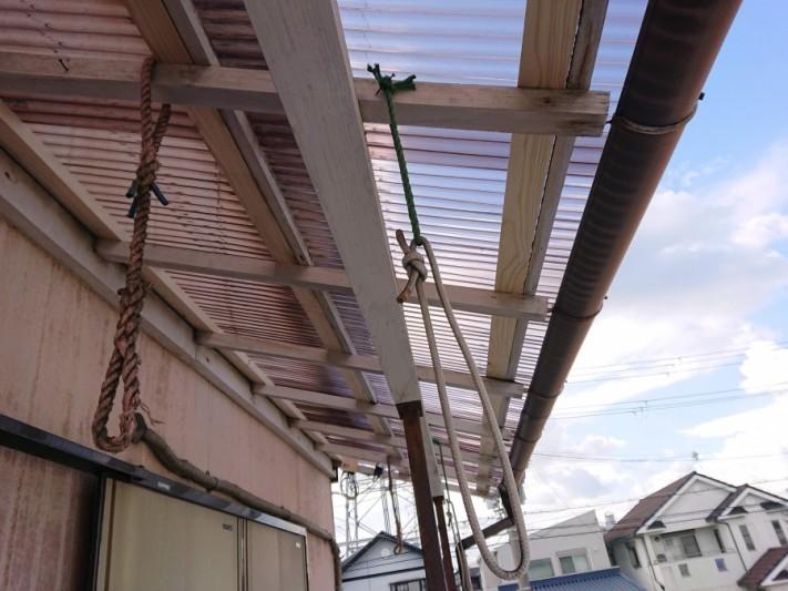 阪南市の台風で飛ばされたテラスの波板の張替