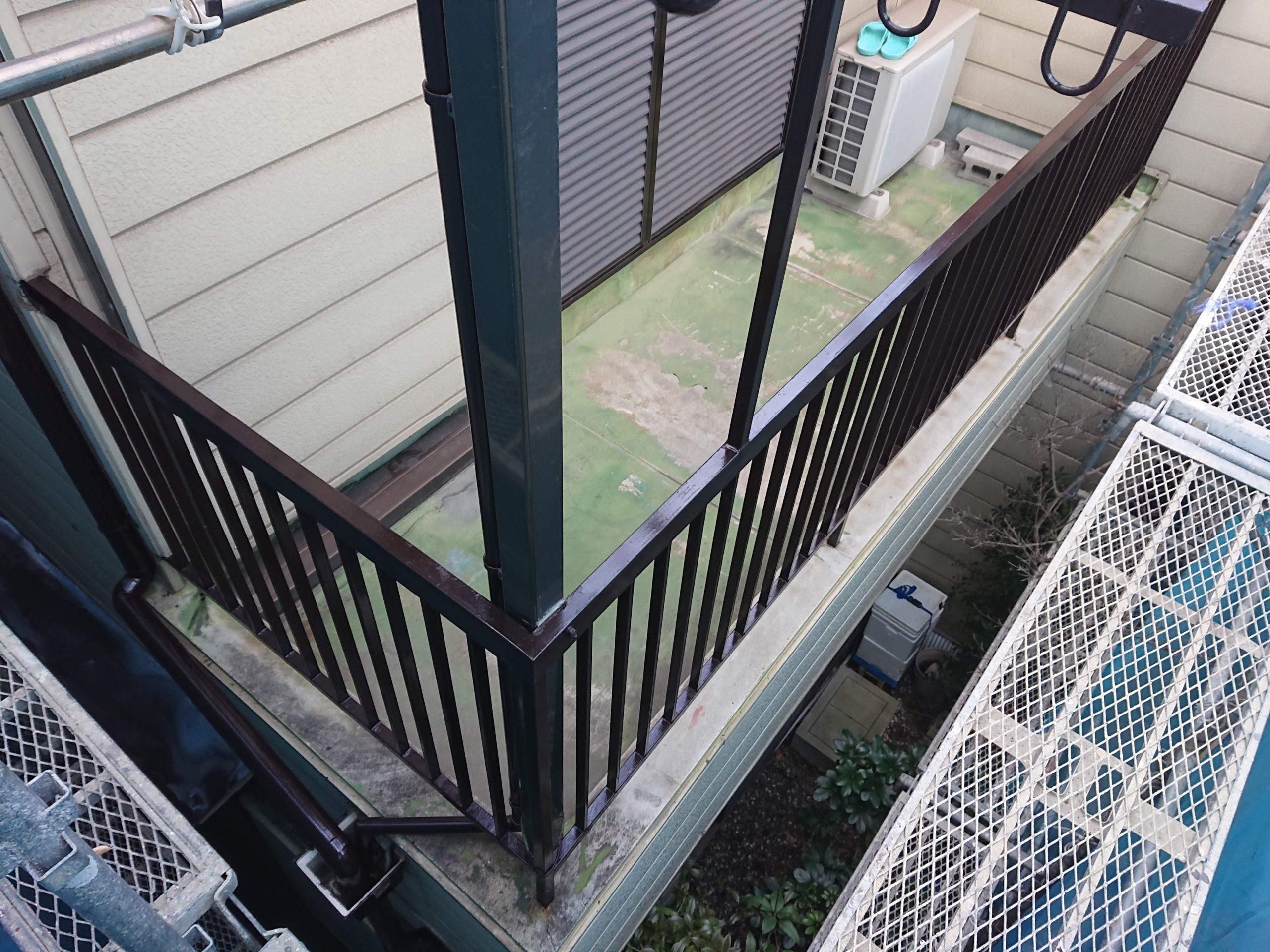岸和田市の鉄製の手すり塗装完了