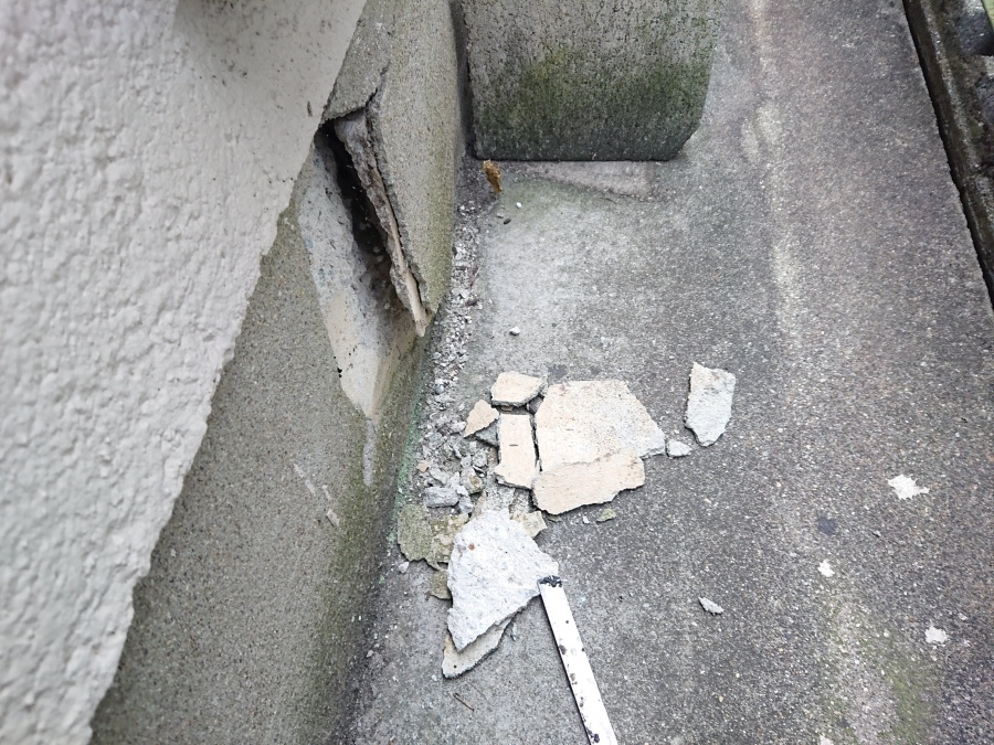 忠岡町の破断した基礎巾木