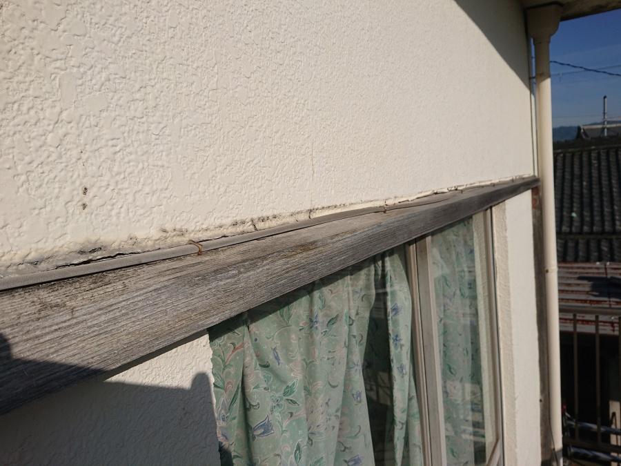 和泉市の窓周りのシーリング打ち替え前