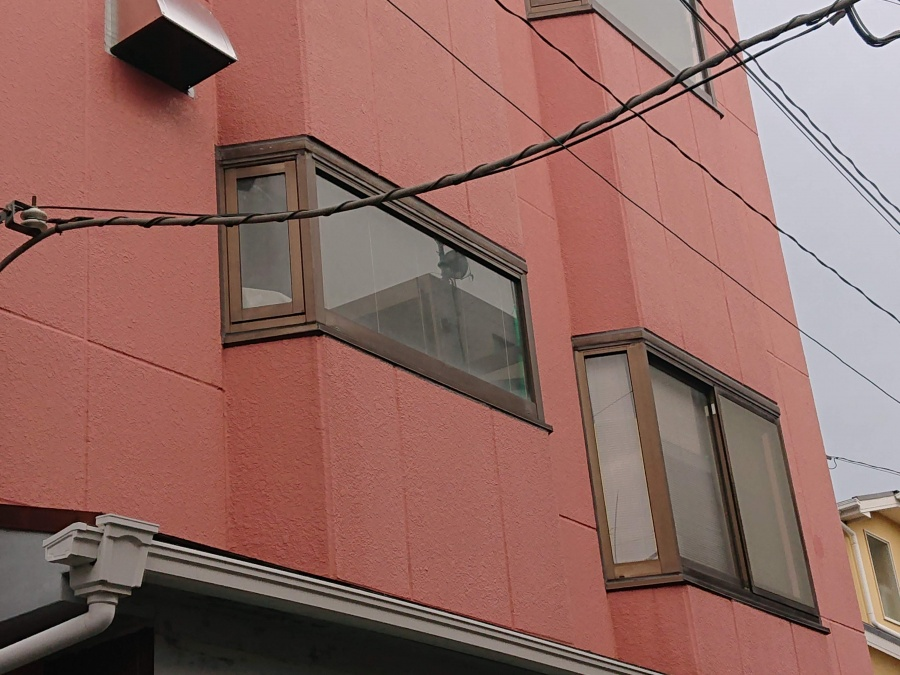 泉佐野市の出窓の雨漏り修理