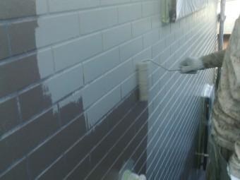 和泉市のサイディング外壁中塗り