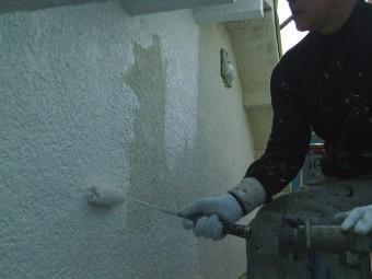 岸和田市吉井町の外壁下塗り