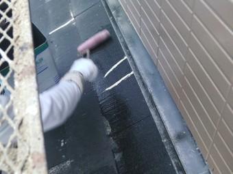 岸和田市尾生町の屋根の下塗り