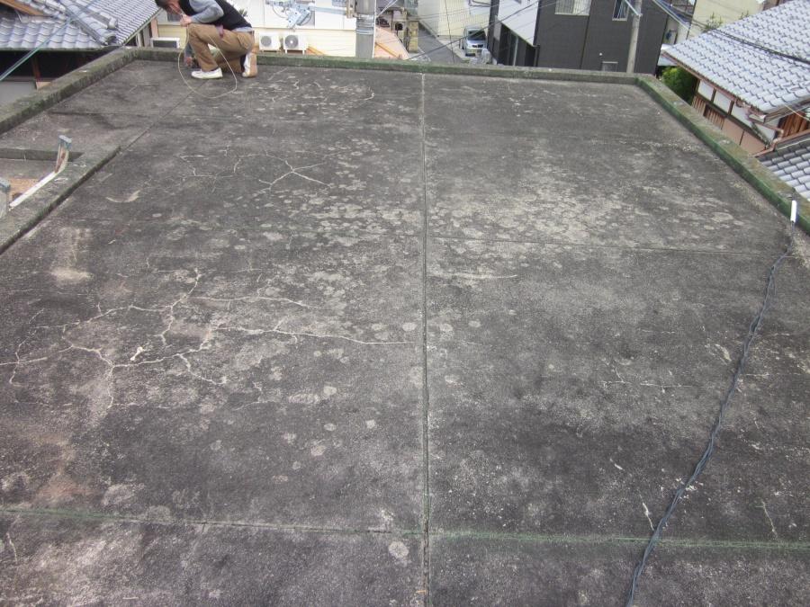 和泉市の陸屋根の下地調整前
