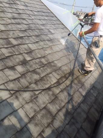 岸和田市八田町の屋根の高圧洗浄