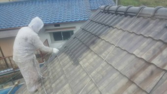 泉南郡岬町のセメント瓦の下塗り