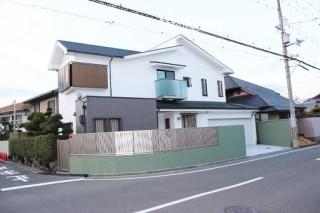 岸和田市上松町の屋根スレート瓦の下屋部分の葺き替え作業完了