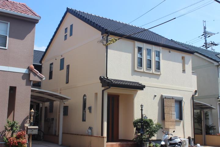 岸和田市西之内町の外壁塗装後の外観