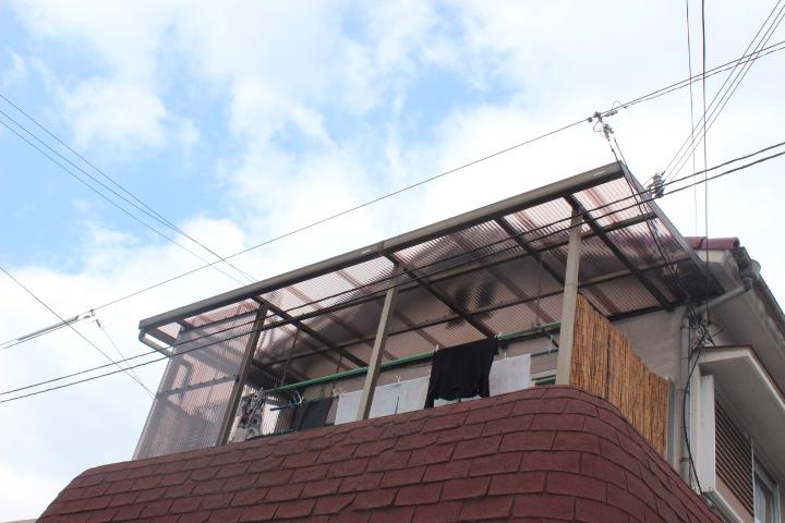岸和田市宮前町のテラス屋根の張替完了