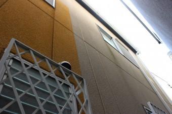 貝塚市の外壁の雨染み現況