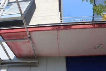 貝塚市の玄関庇現況
