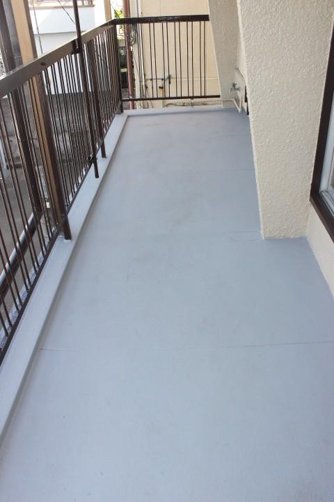 岸和田市吉井町のベランダ塗装完了