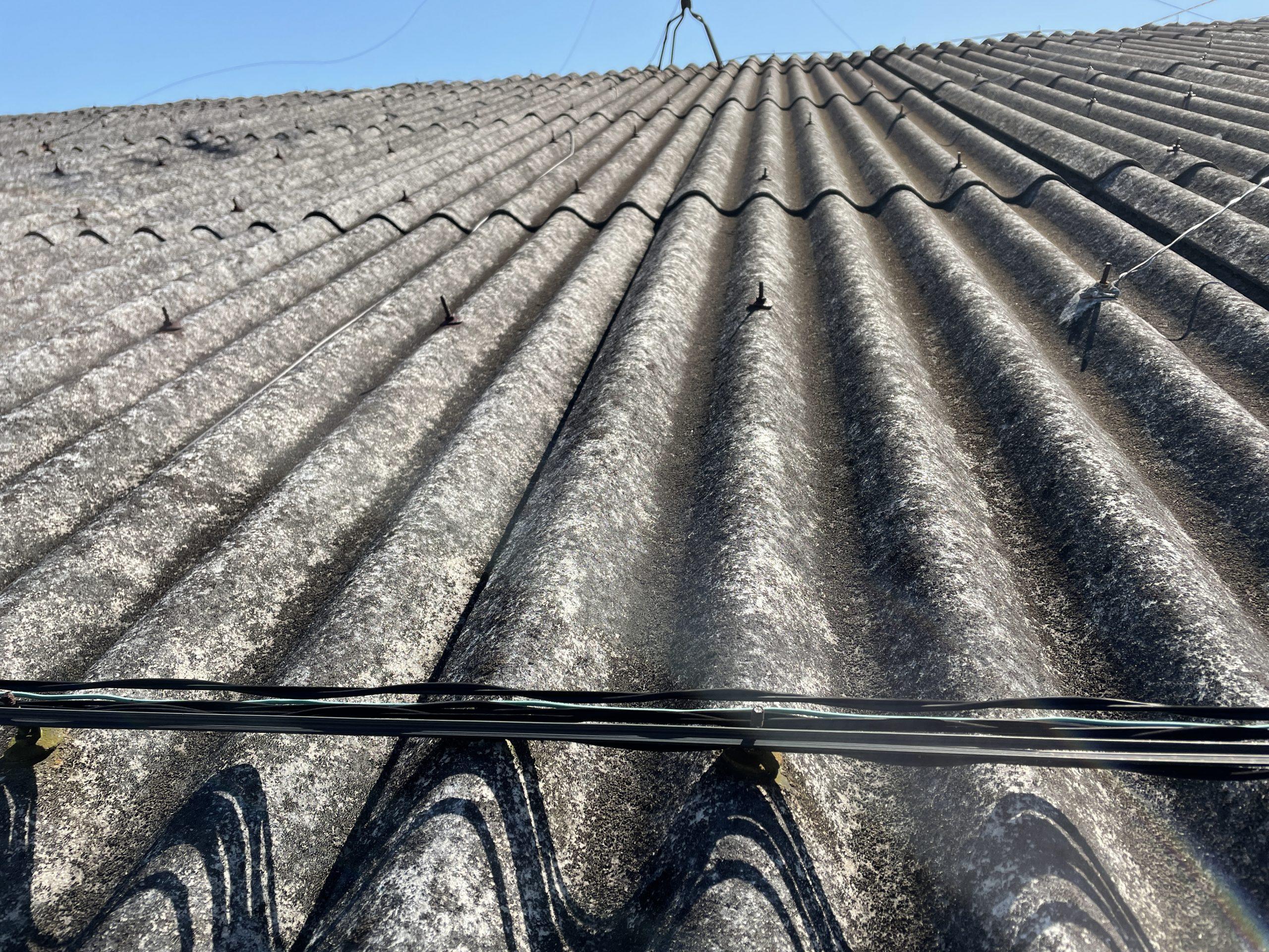 岸和田市の工場の波型スレート屋根