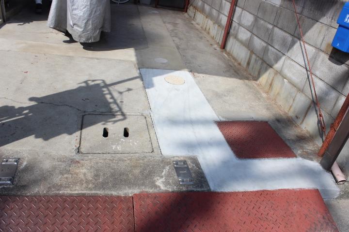 岸和田市の土間ひび割れ補修