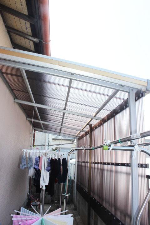 岸和田市のテラス屋根に波板施工完了