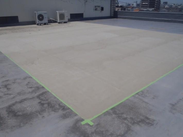 岸和田市の倉庫の陸屋根にカチオン塗布完了