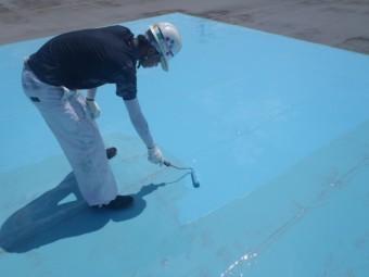 岸和田市の倉庫の屋上にウレタン塗膜材塗布