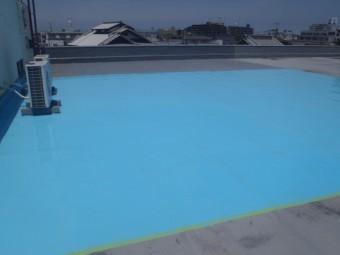 岸和田市の倉庫の屋上にウレタン塗膜材塗布完了