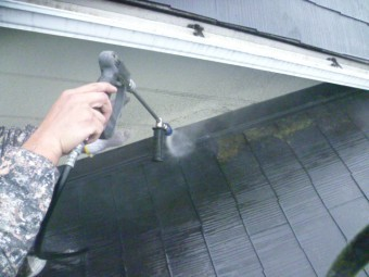 岸和田市包近町の屋根高圧洗浄