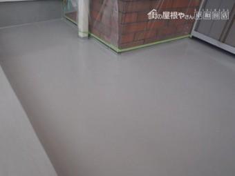 岸和田市池尻町のベランダにトップコート塗布完了