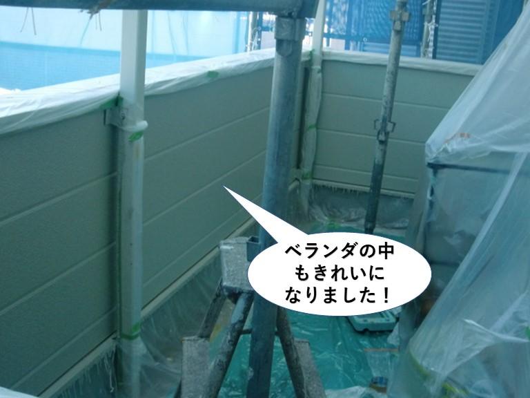 岸和田市のベランダの中もきれいに!