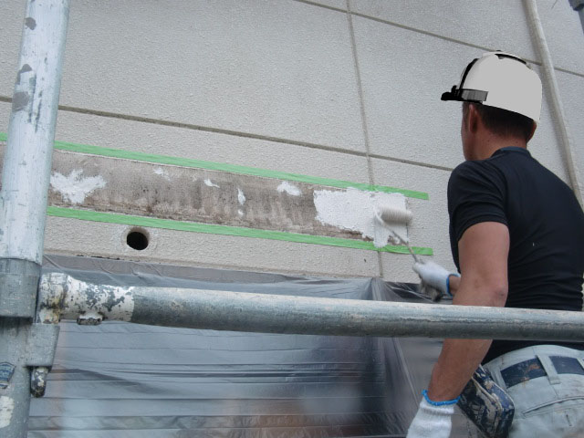 岸和田市大沢町の復旧した庇の塗装工事 3日目