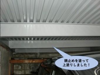 岸和田市のガレージを錆止めを塗って上塗りしました!