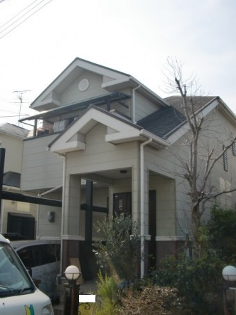 岸和田市包近町の外壁・屋根塗装着工