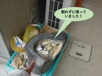 岸和田市の屋根の鬼瓦は割れずに残っていました