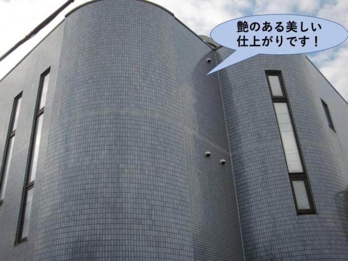 貝塚市の外壁を塗装し艶のある美しい仕上がりです