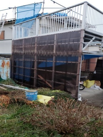 岸和田市の雨除け壁修理・補強完了