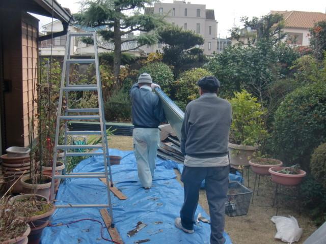 岸和田市でガルバリューム鋼板搬入