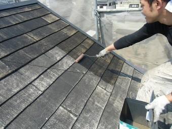 泉佐野市俵屋での屋根塗装での下地塗り