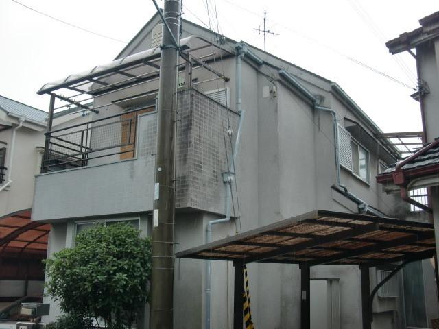岸和田市極楽寺町のカビ除去もした外壁と屋根塗装 現況