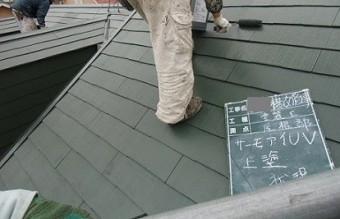泉佐野市で綺麗なグリーンの屋根塗り替え工事状況!