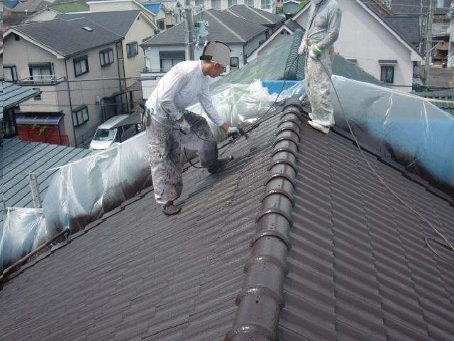 岸和田市西之内町の屋根の上塗り