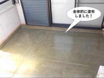 熊取町のベランダにプライマー塗布完了