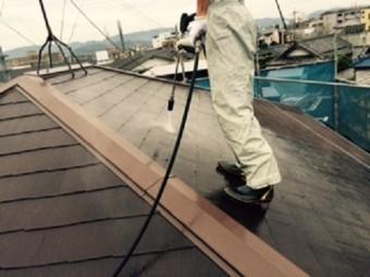 岸和田市西之内町の屋根の高圧洗浄