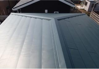 屋根カバー工法により断熱性アップ